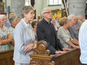 Dankbaar voor de komst van pastoor Braun, die zo vele jaren dagelijks de H. Mis vierde in onze kapel.